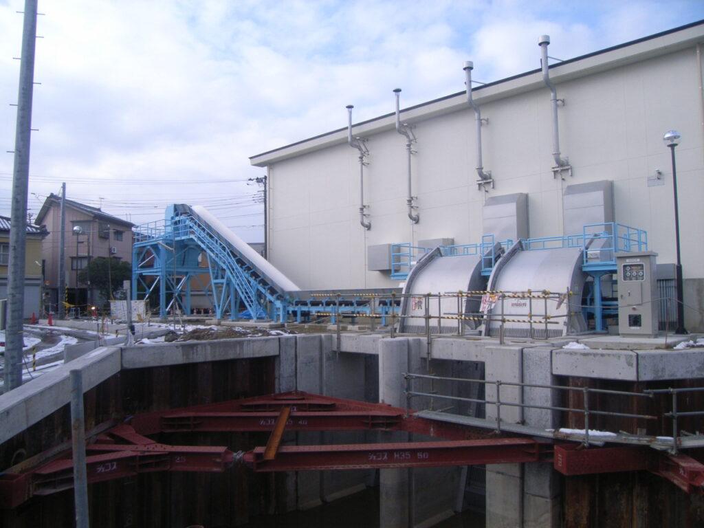 島田川排水機場除塵設備